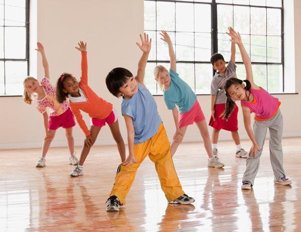Children-exercising-in-fitness-class