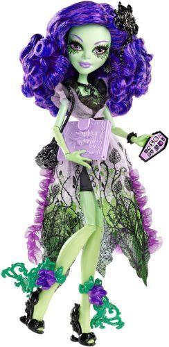 amanita-nightshade-doll