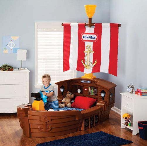 Pirate toddler bed for boys